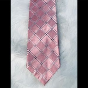 Arrow Pink neck tie